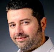 Ken Harper : Director, Newhouse Center for Global Engagement <br /></noscript>Associate Professor